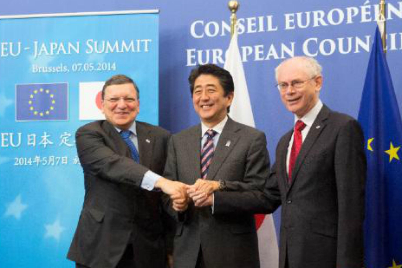Barroso, Schinzo Abe and Herman Van Rompuy. Photo EBS