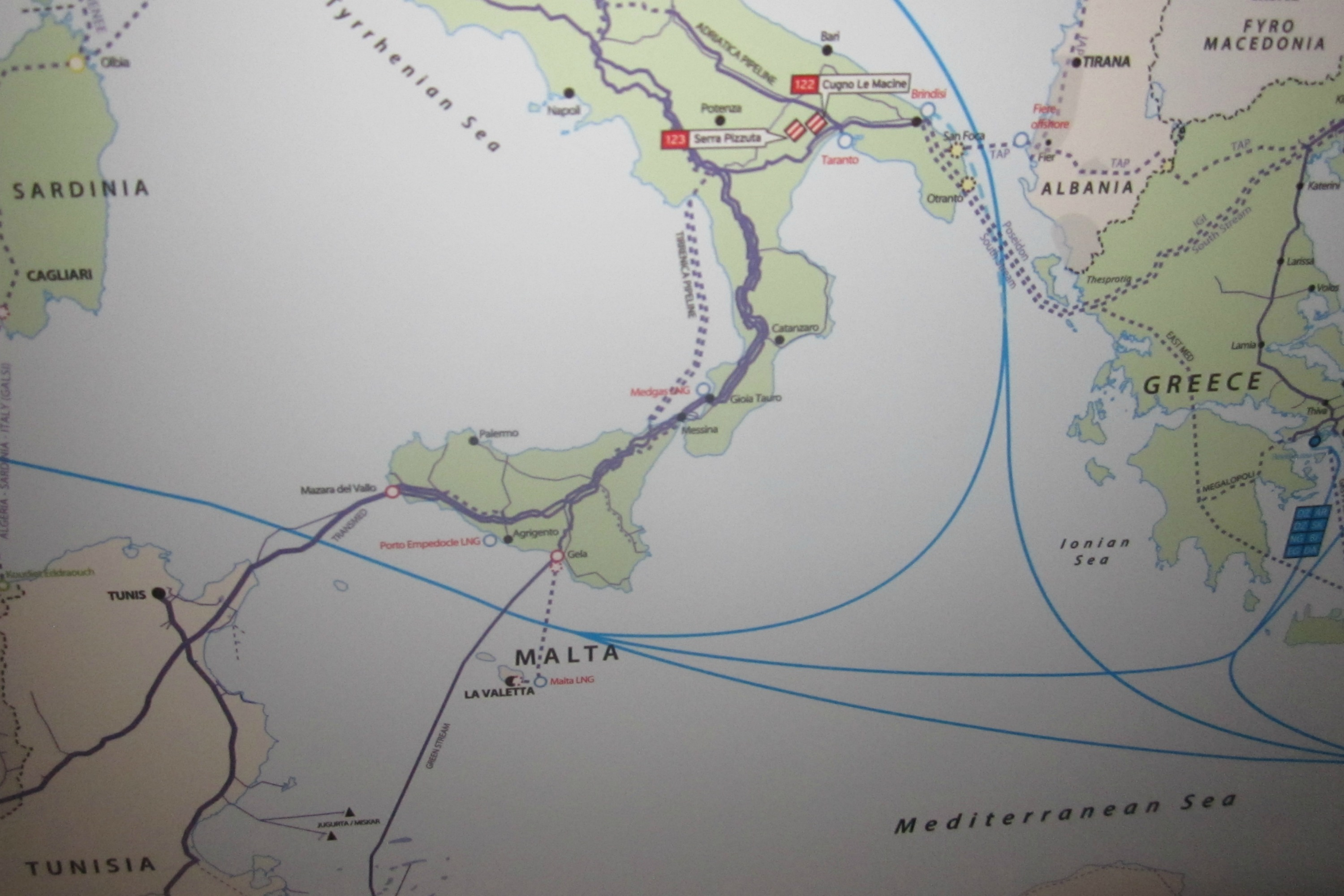 Current gas links from Tunisia to Italy. Map Gas Storage Europe