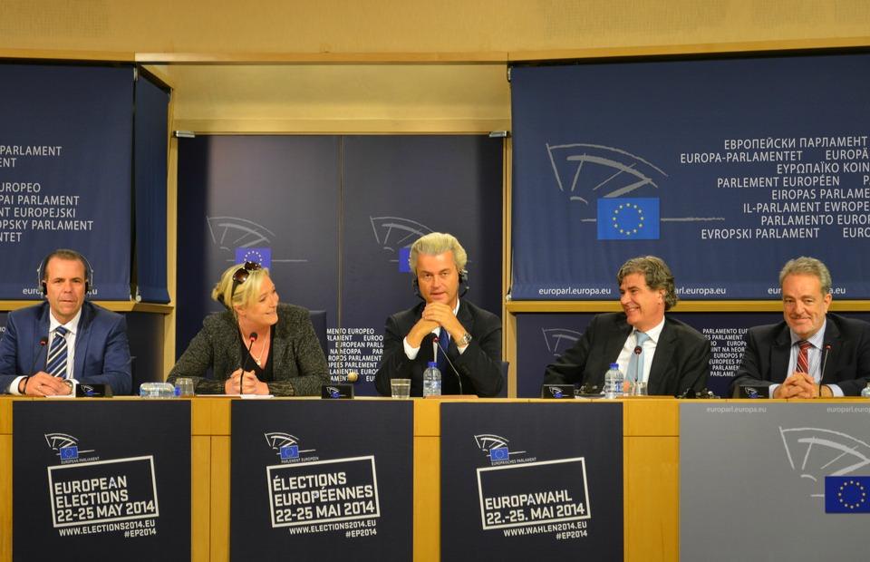 Harald Vilimsky (FPÖ), Marine Le Pen (FN), Geert Wilders & Marcel de Graaff (PVV), Gerolf Annemans (VB)