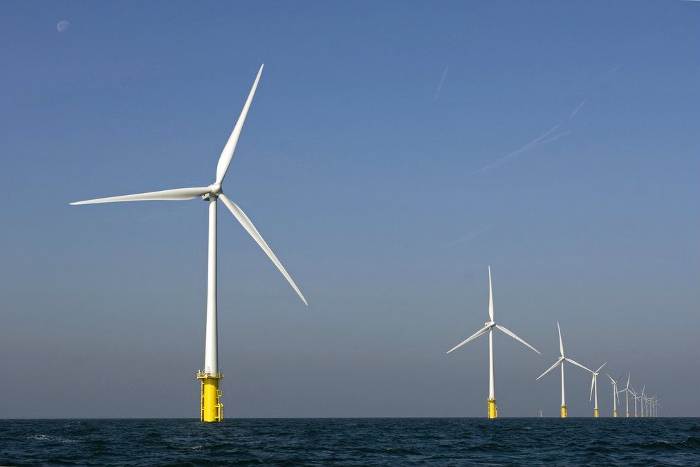 Windpark in the North Sea. Egmond aan Zee, Netherlands [Nuon/Flickr]