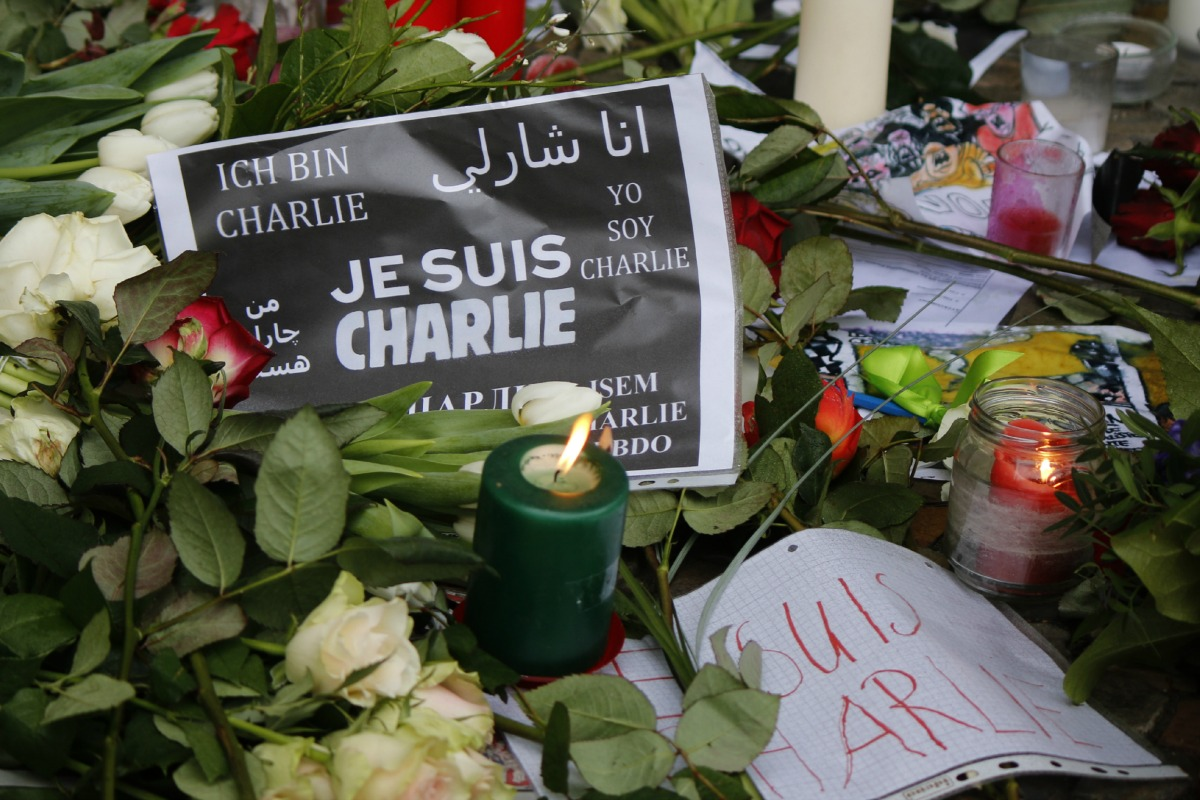 """Je suis Charlie"" - mourning at the French Embassy in Berlin for the victims of the massacre at the French magazine ""Charlie Hebdo"""