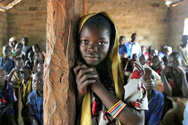 Enfants dans une école en Centreafrique [Pierre Holtz/UNICEF]