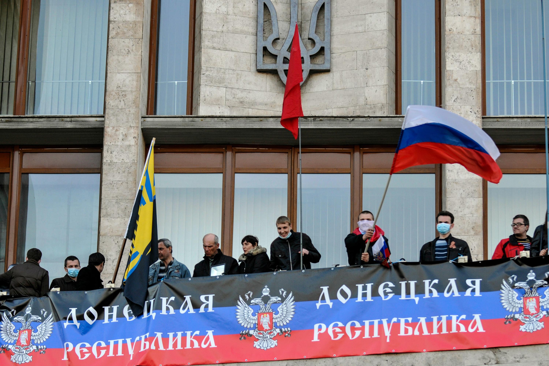 Pro-Russian activists declare 'Donetsk Republic'
