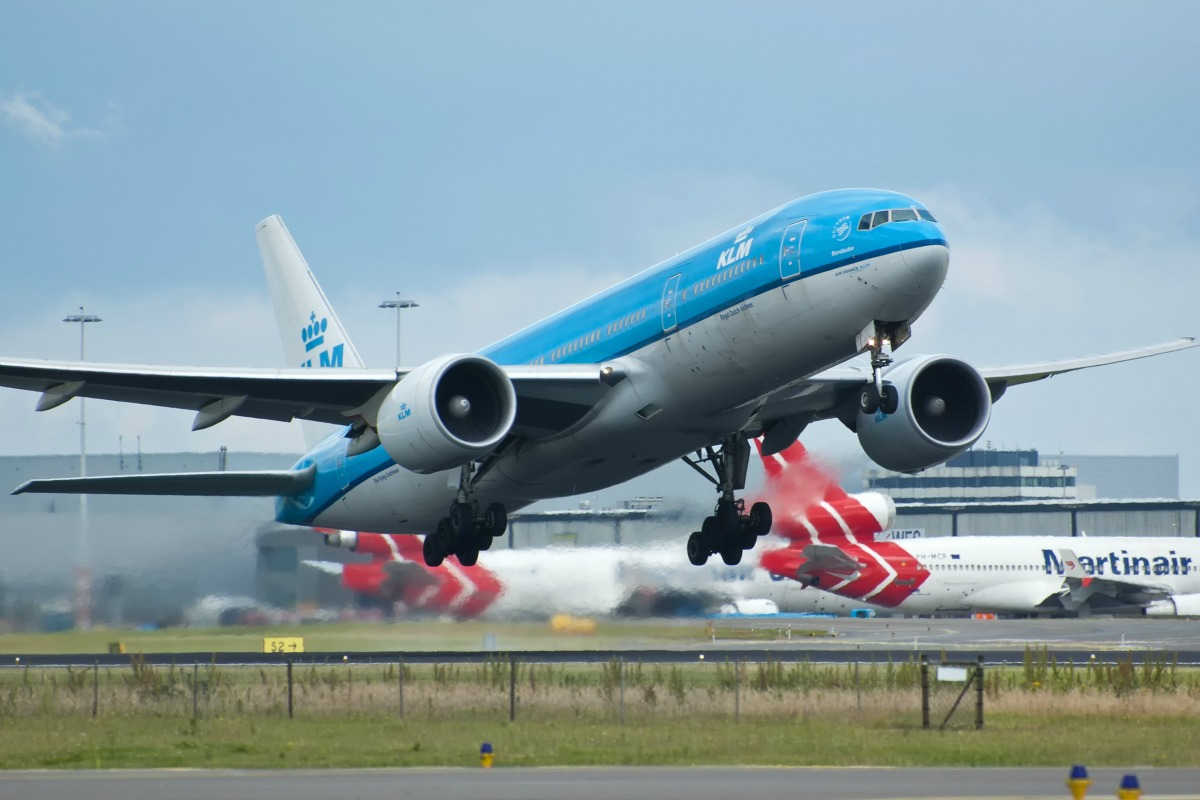 KLM Boeing 777 taking off