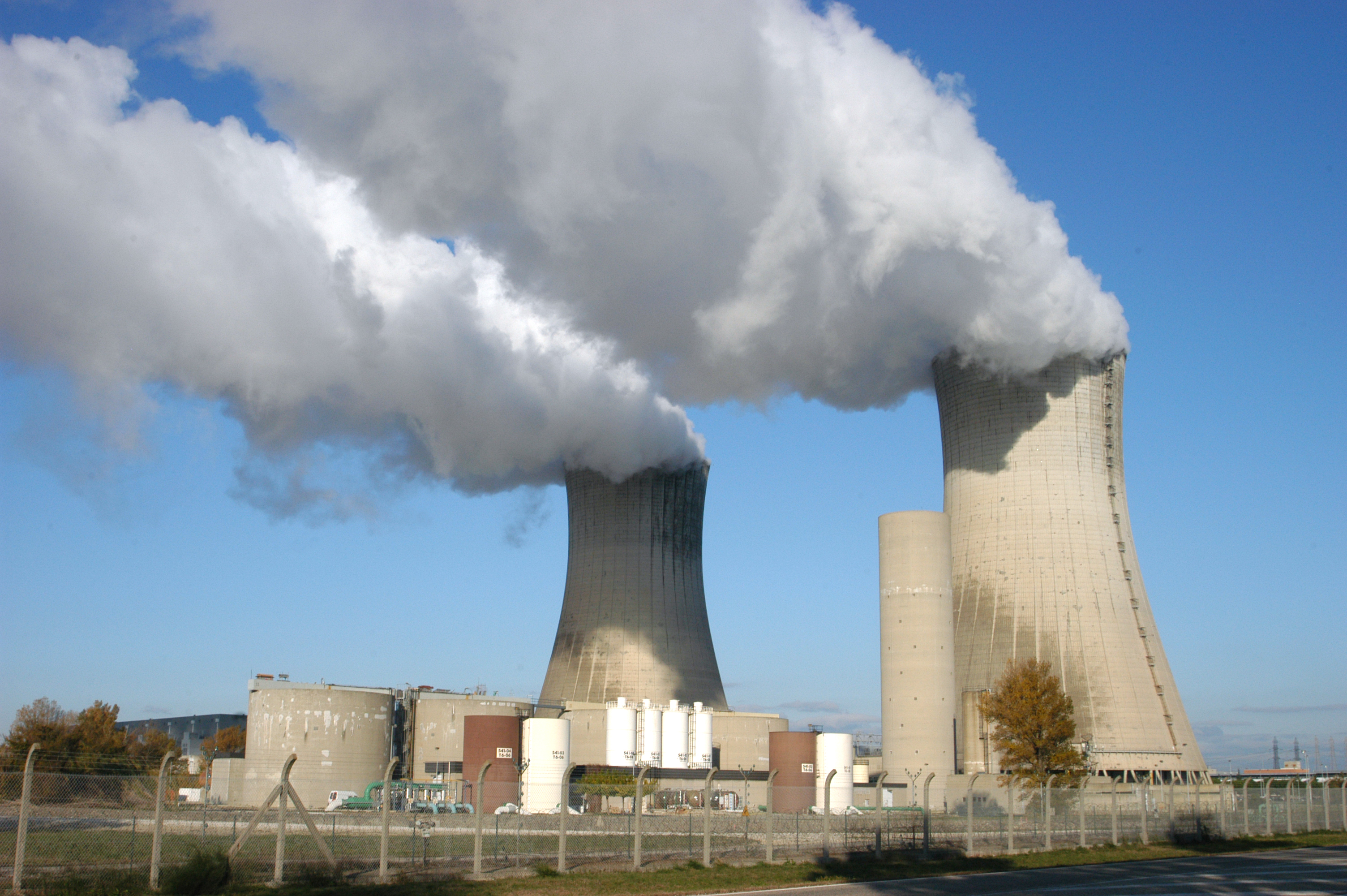 nuclear power Hatch has many nuclear power capabilities that include uranium processing, including refinement, conversion, and nuclear fuel fabrication.