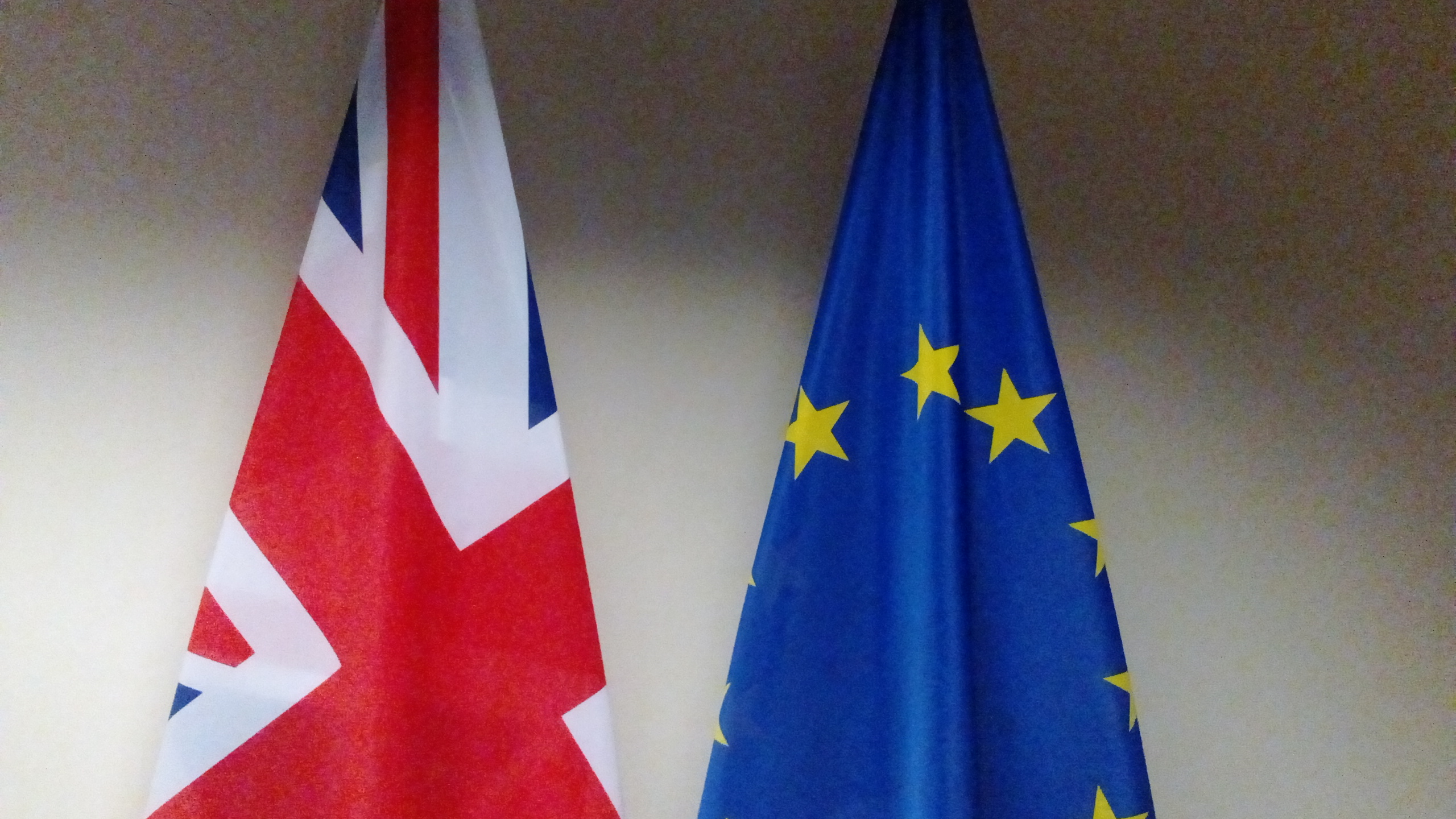 UK looks for success in Brexit talks