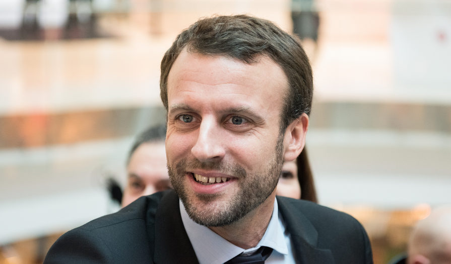 Emmanuel Macron officially enters the French presidential race ...