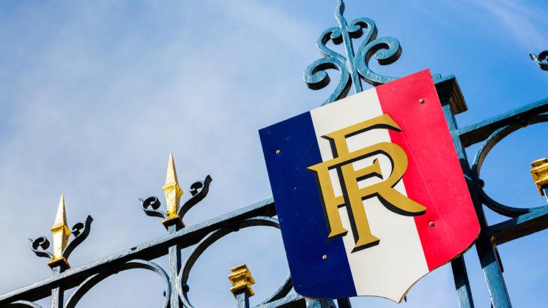 Le Pen Takes Leave As FN Head In French Presidency Bid