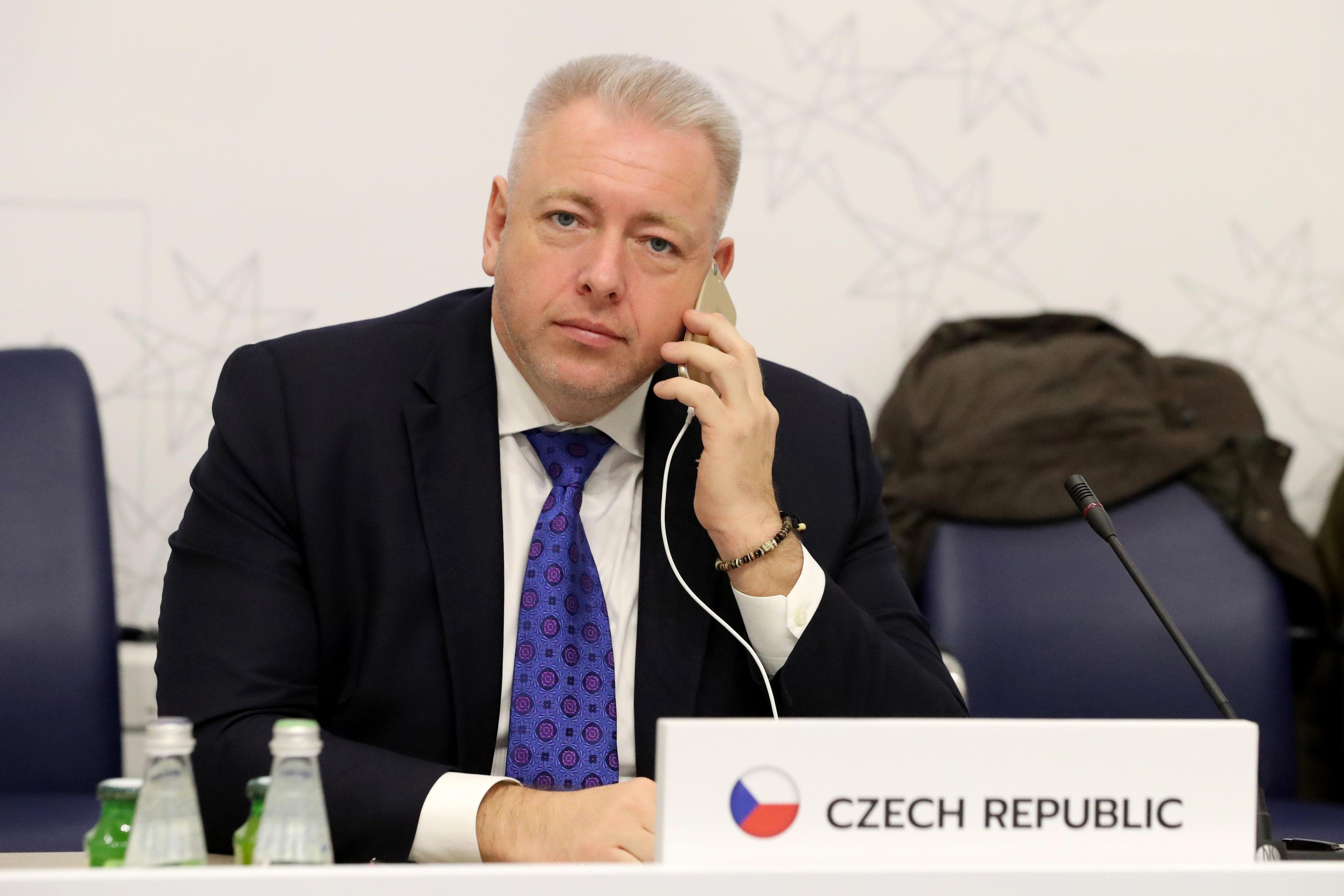Czechs insist migration controls should precede relocation demands – EURACTIV.com