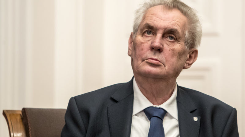 Zeman wins Czech presidential first round vote with 90 percent counted